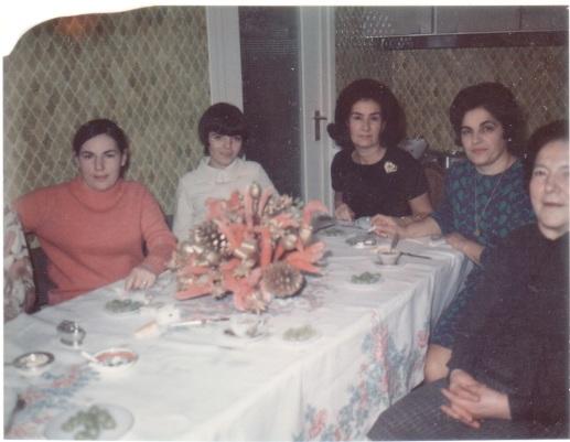Carmen Abril eta Pakita Iratzoki, Elkanoko sukaldean (Ziburu)